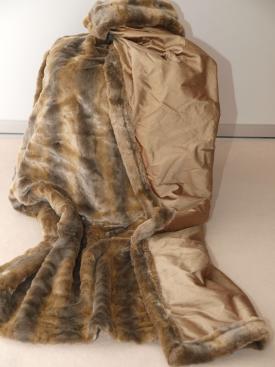 il dono das perfekte geschenk f r sie und ihn kissen decken kunstfelldecke chinchilla. Black Bedroom Furniture Sets. Home Design Ideas